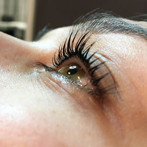 YUMI Lash Lift, side view